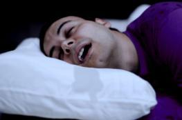 لماذا يسيل اللعاب أثناء النوم؟