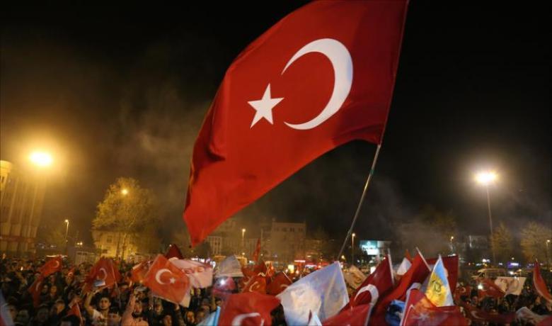 انتعاش بسوق الأسهم والليرة التركية بعد الاستفتاء