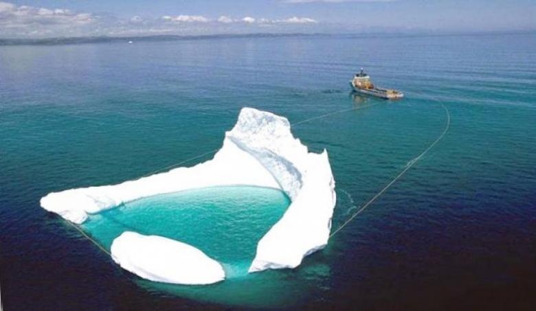 """الإمارات: جلب جبل جليدي """"مجرد إشاعة"""""""