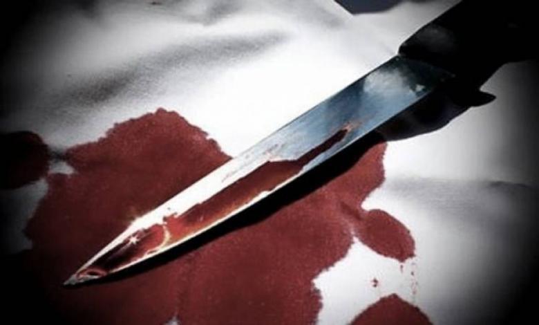فتاتان تقتلان أمهما بطريقة بشعة