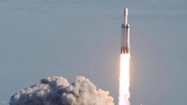 """""""سبيس إكس"""" تطلق """"فالكون 9"""".. والهدف 60 قمرا صناعيا"""
