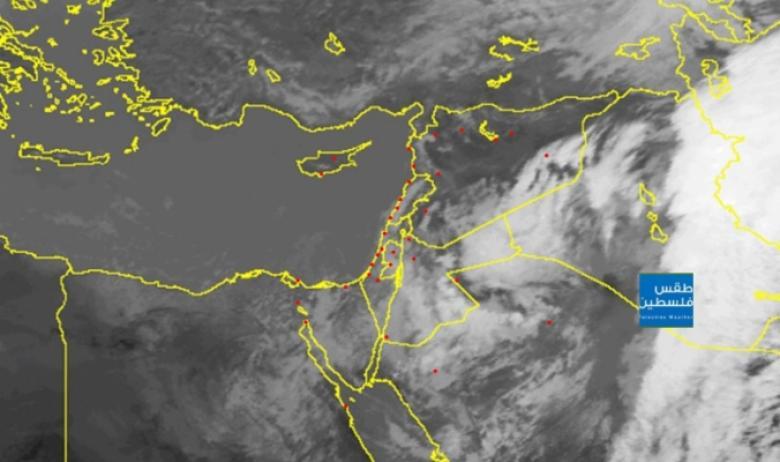 تطورات الحالة الجوية كما تظهر عبر الأقمار الصناعية