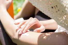 9 نصائح لحماية بشرتك من أشعة الشمس بالصيف