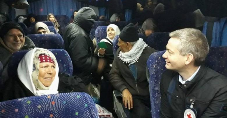 """20 من أهالي أسرى غزة يزورون ذويهم بـ""""رامون"""""""