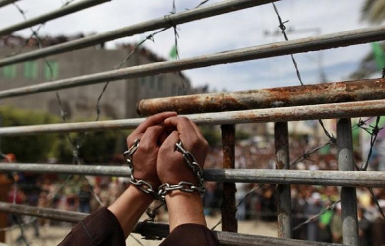 الاحتلال يجرى حملة تنقلات واسعة في صفوف الأسرى المضربين
