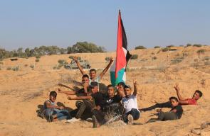 مشاركة الجماهير الفلسطينية في مسيرات العودة شرق مخيم البريج