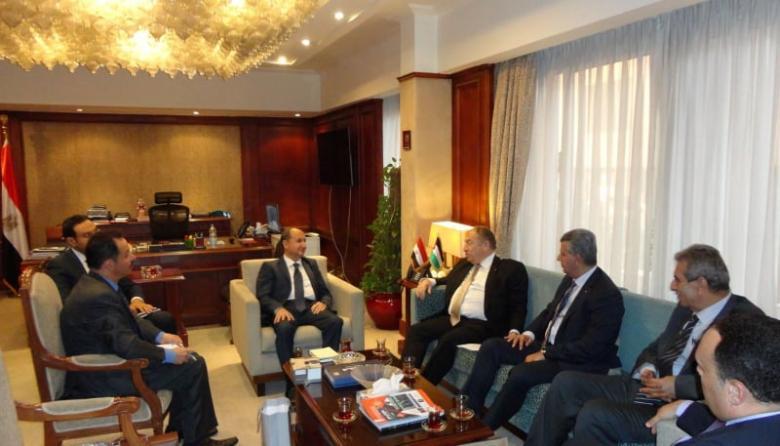 مباحثات فلسطينية مصرية لزيادة التبادل التجاري والاستثمارات