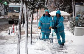 مدينة تيكرداغ شمال غربي تركيا تتزين بثوبها الأبيض