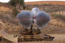 قصف مدفعي يطال منزلين وموقعًا  عسكريًا شمال القطاع