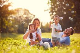 هل يحتاج الطفل للأم أكثر أم للأب؟