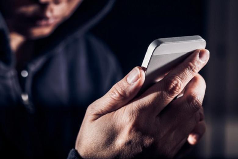 اطلع علي التطبيقات التي تتجسس على هاتفك الأندرويد