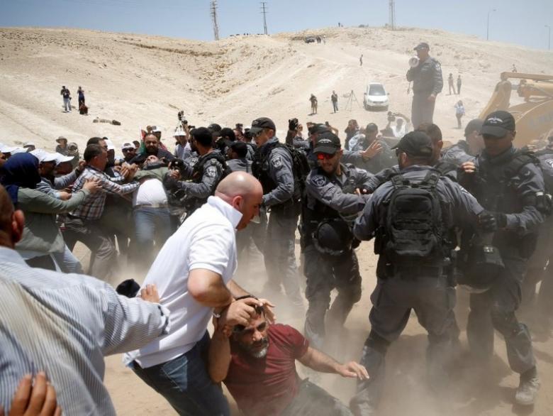 """دعوات فلسطينية لـ""""أسبوع الحسم"""" لحماية الخان الأحمر"""