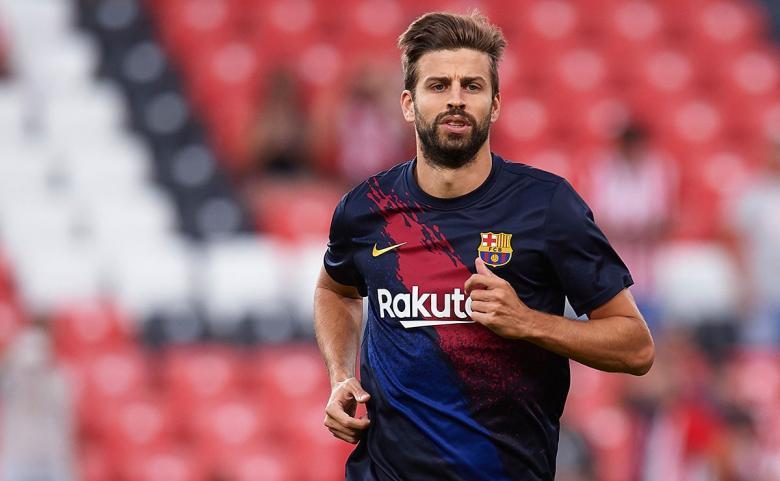 بيكيه يحصل على جائزة أفضل لاعب كتالوني