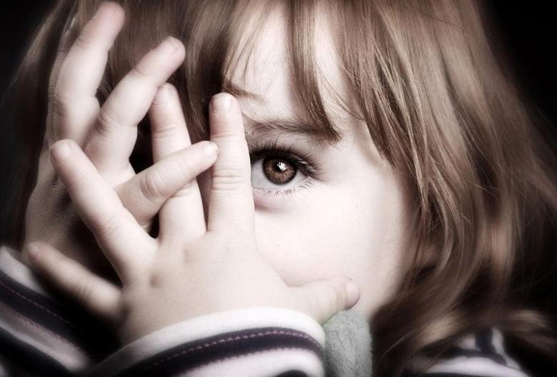 حلول لمشكلة الخجل عند الأطفال