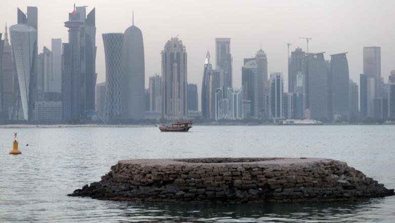 قطر تضيف مزيدا من القيود على نشاط فرع بنك أبو ظبي الأول