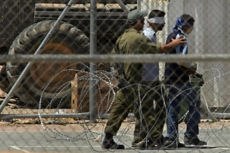 أعوام جديدة لأربعة أسرى في سجون الاحتلال