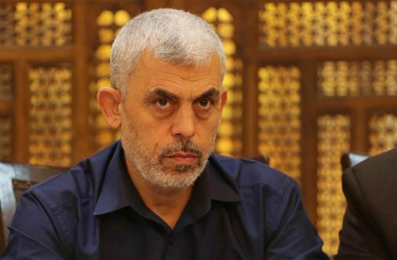 موقع عبري: هل انتهى صبر السنوار على الوضع بغزة؟
