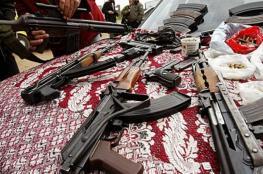 تجارة السلاح في غزة .. قنبلة شظاياها تصيب المواطنين!