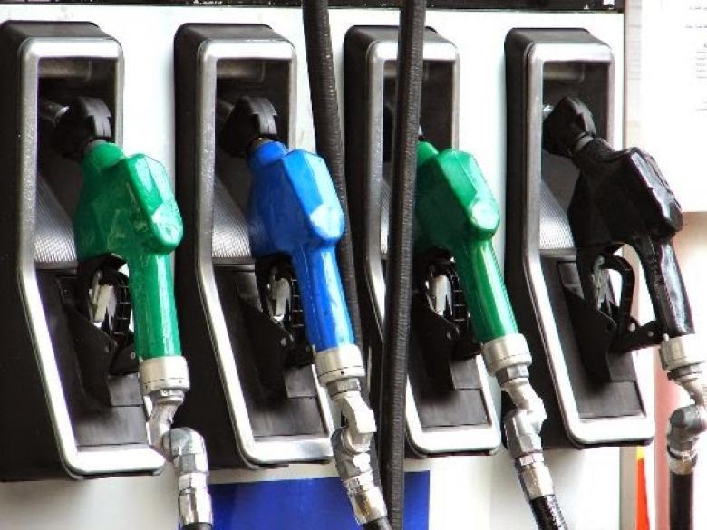 زيادة أسعار الوقود والغاز بمصر بنسبة تصل لـ30%