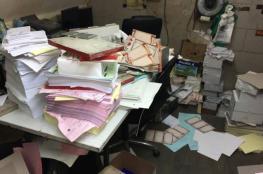 الاحتلال يقتحم مطبعة ويصادر محتوياتها بطولكرم