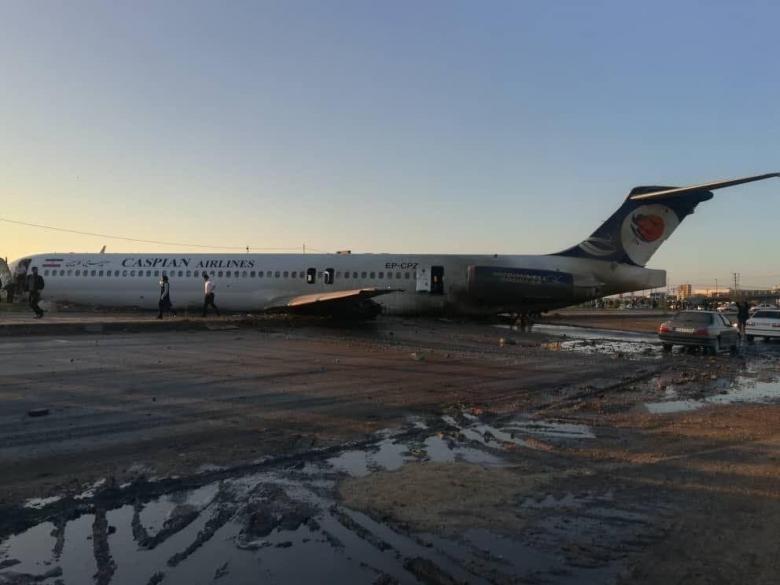 خروج طائرة إيرانية عن مسارها ونجاة ركابها