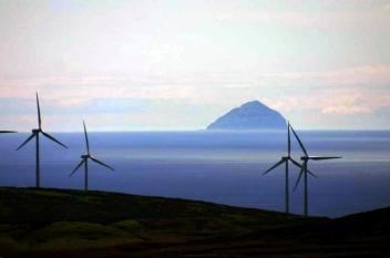 لأول مرة ..محطة توليد للكهرباء من قوة الرياح في اسكتلندا