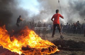 الشباب الثائر يقتحم الحدود شرق البريج