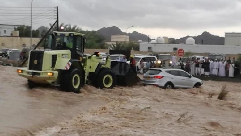 أمطار كثيفة تصيب عُمان