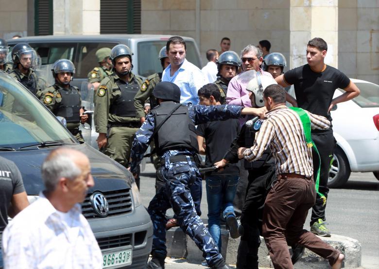 حماس تستنكر حملات ملاحقة نشطاء المقاومة بالضفة