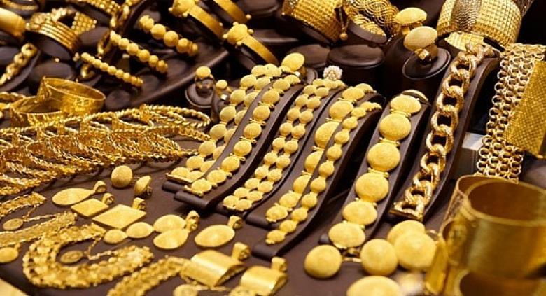 الذهب في أعلى مستوياته في شهر