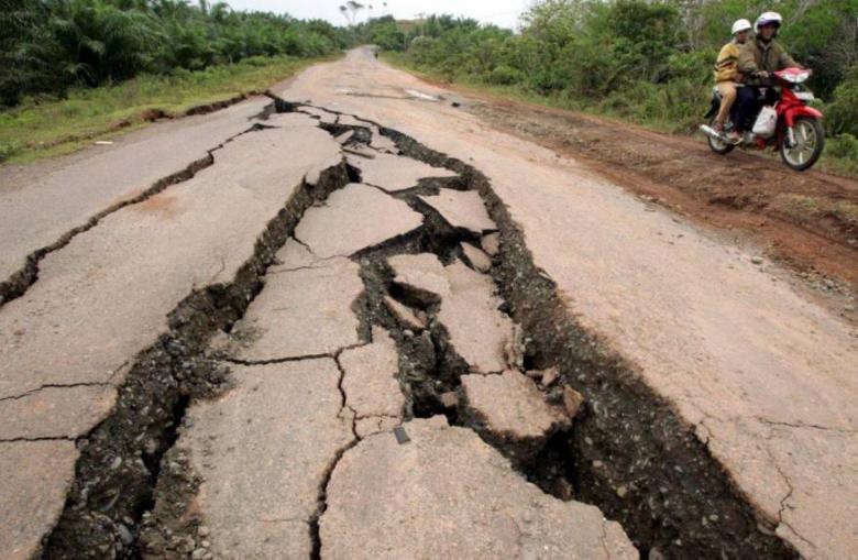 زلزال شدته 6,4 درجات يضرب جزيرة سومطرة بإندونيسيا