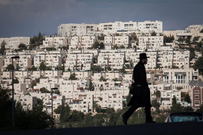 الاحتلال يصادق على مخطط لشق شارع استيطاني غرب رام الله