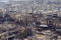 النفط يصعد مدعوما بهبوط في المخزونات الأميركية