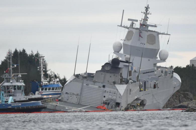 اصطدام فرقاطة وناقلة نفط قبالة سواحل النرويج
