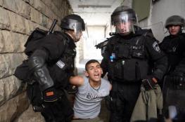قوات الاحتلال تعتقل فتى قرب المسجد الإبراهيمي