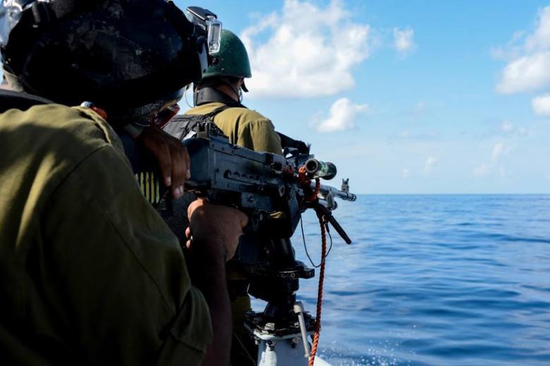 غزة: زوارق الاحتلال تفتح نيرانها صوب قوارب الصيادين دون إصابات