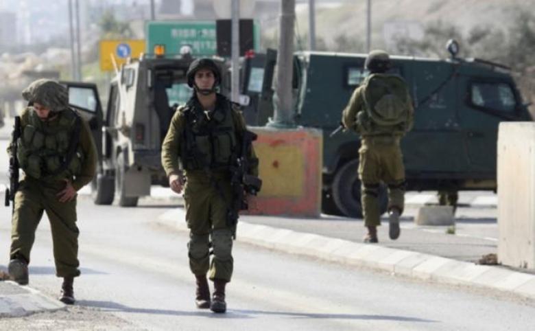 """الاحتلالُ يُكثف تواجده على طريق """"قلقيلية_نابلس"""""""