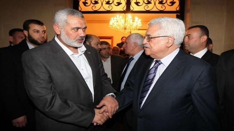 هنية يهاتف عباس لبحث تداعيات نقل السفارة الأمريكية للقدس