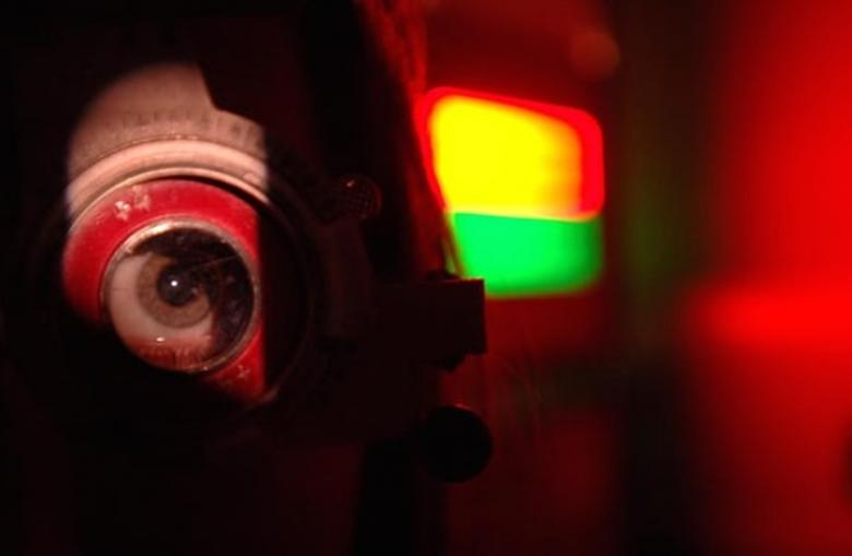 دراسة: الضوء الأزرق في الأجهزة الذكية يسبب العمى 20d484b43725b2ac397814e204555886