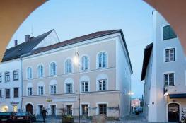 لهذا السبب حولت النمسا منزل ولادة هتلر إلى مركز للشرطة