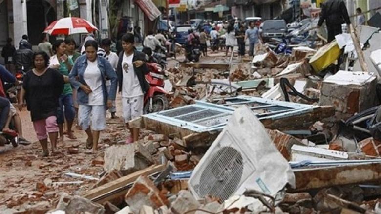 ارتفاع قتلى الزلزال المدمر في إندونيسيا إلى 98
