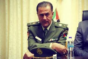 أجهزة الضفة تعتقل المقدم أبو عرب من منزله