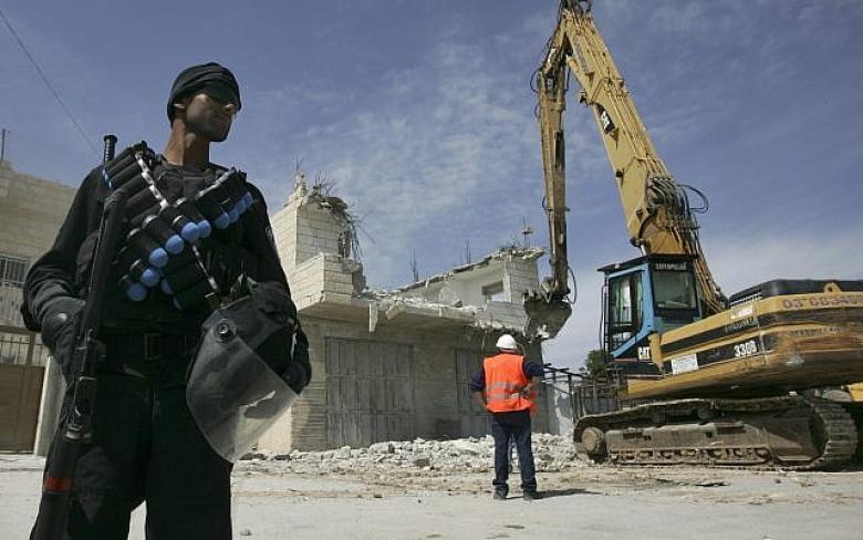 """الفصائل تعلّق على """"مجزرة الهدم"""" في القدس المحتلّة"""