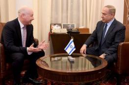 نتنياهو وغرينبلات يتباحثان جهود التهدئة مع غزة