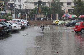 أمطار الخير تتساقط على قطاع غزة