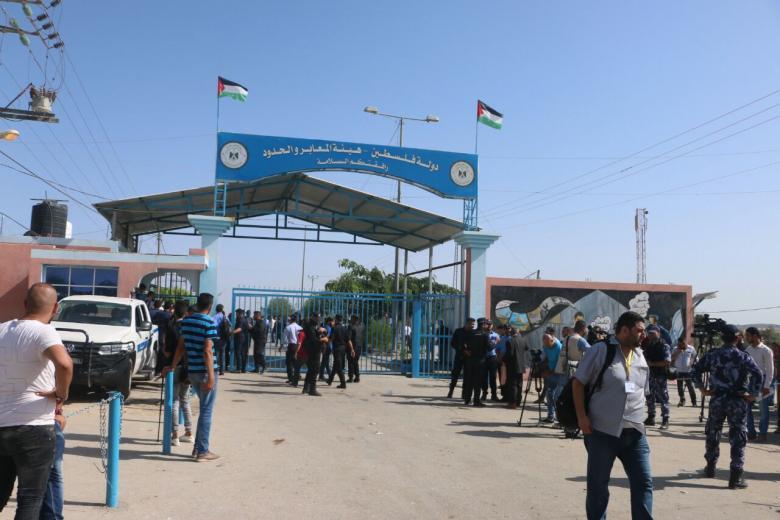 """""""هيئة العودة"""" تنظم صلاة الجمعة أمام بوابة معبر بيت حانون"""