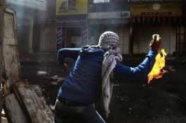 حارقات على دوريات الاحتلال خلال مواجهات بقلقيلية
