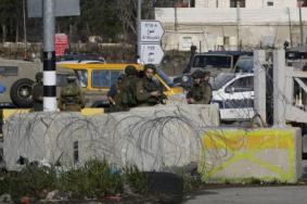 """الاحتلال يغلق الضفة وغزة الثلاثاء بدعوى عيد """"المساخر"""""""