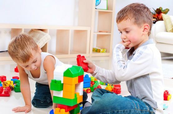 كيف تُـنمَّى الذكاءات المتعددة لدى الأطفال؟
