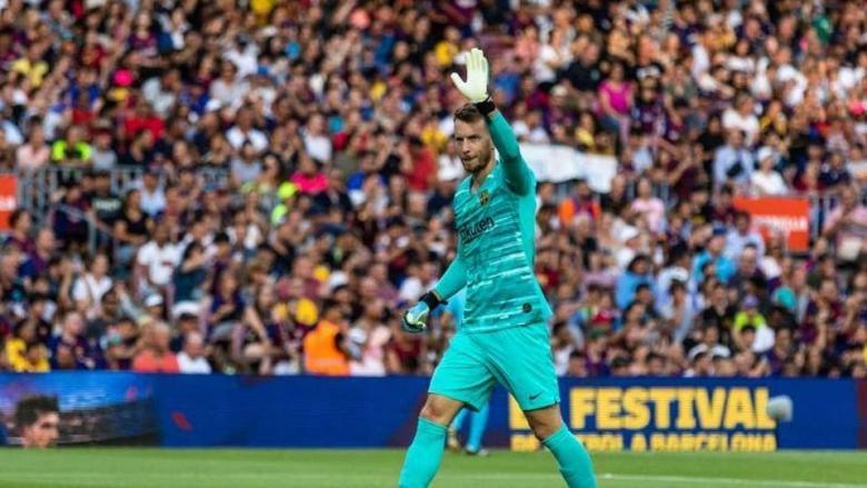 برشلونة يعلن تفاصيل إصابة نيتو